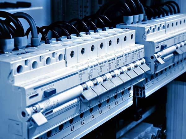 Schemi Elettrici Per Quadri : Pulizia quadri elettrici in tensione milano contratto