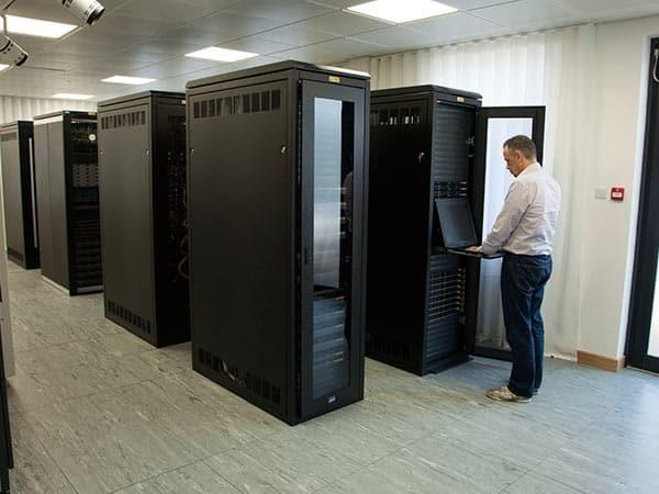 Cablaggio-strutturato-rete-trasmissione-dati-aziende